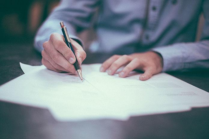 Na co zwracać uwagę podczas zawierania umowy kredytowej?